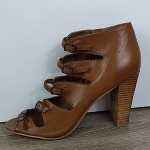 Chinese laundry zbreezy size 10 Egyptian heel boot